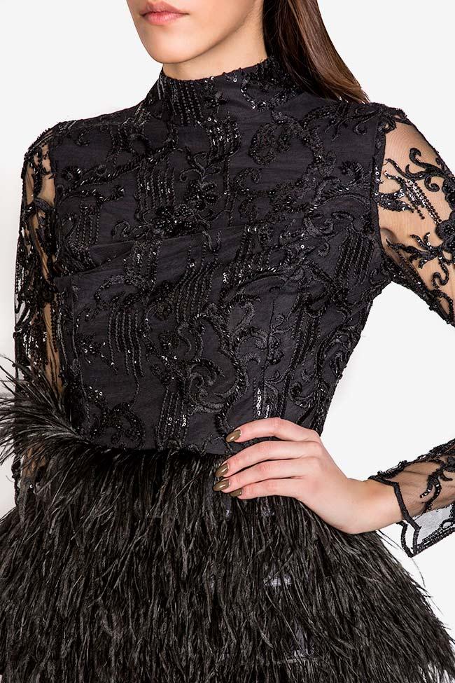 Bluza Consuelo accesorizata cu fulgi de struț (3)